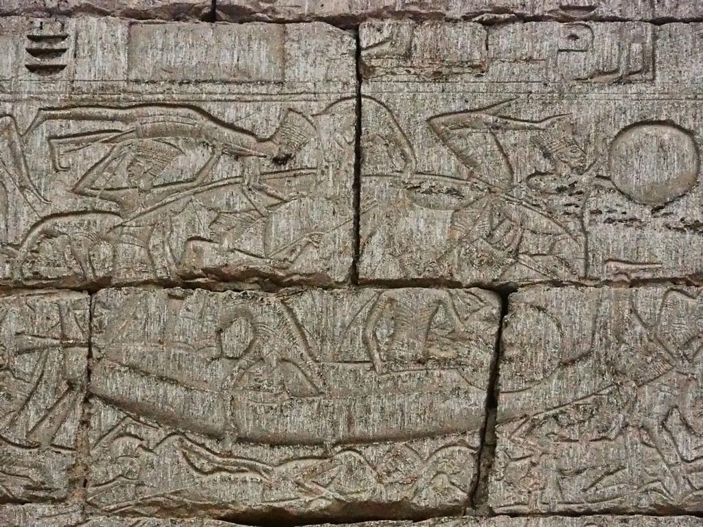 Ramses III bekämpft die Seevölker, Medinit Habu, Luxor