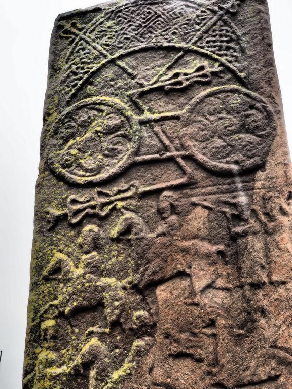 Pictische Stele mit Kriegern und keltischen Motiven