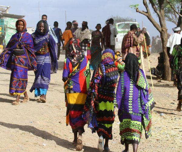 24 Oromofrauen