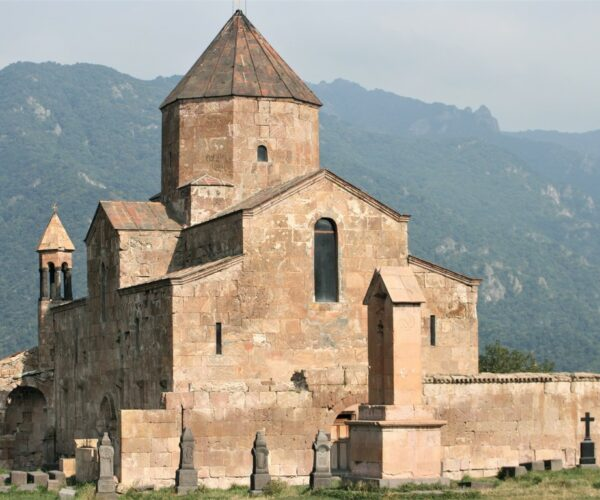 02 (Armenia)